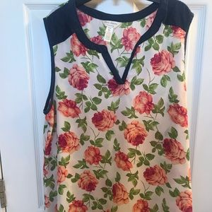 Floral maternity top